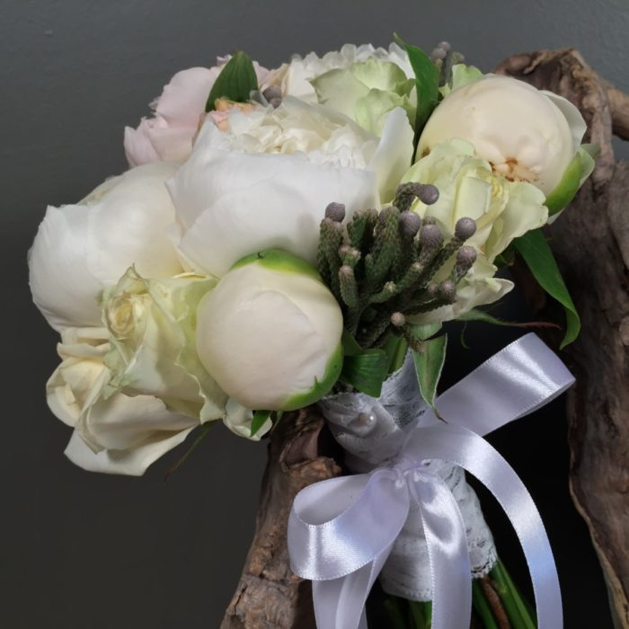 Bridal Bouquet Silver Brunia