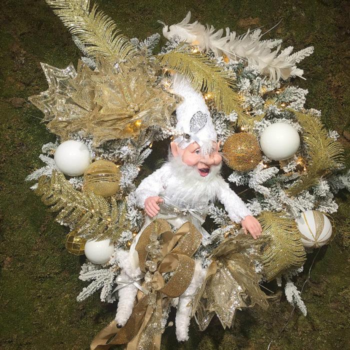 Christmas Snowy Wreath Gold