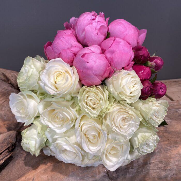 Μπουκέτο Λουλούδια Τριαντάφυλλα Παιώνιες