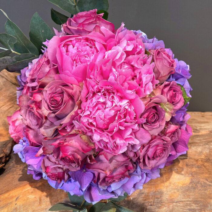 Μπουκέτο Λουλούδια (Τριαντάφυλλα Ορτασίες Παιώνιες)
