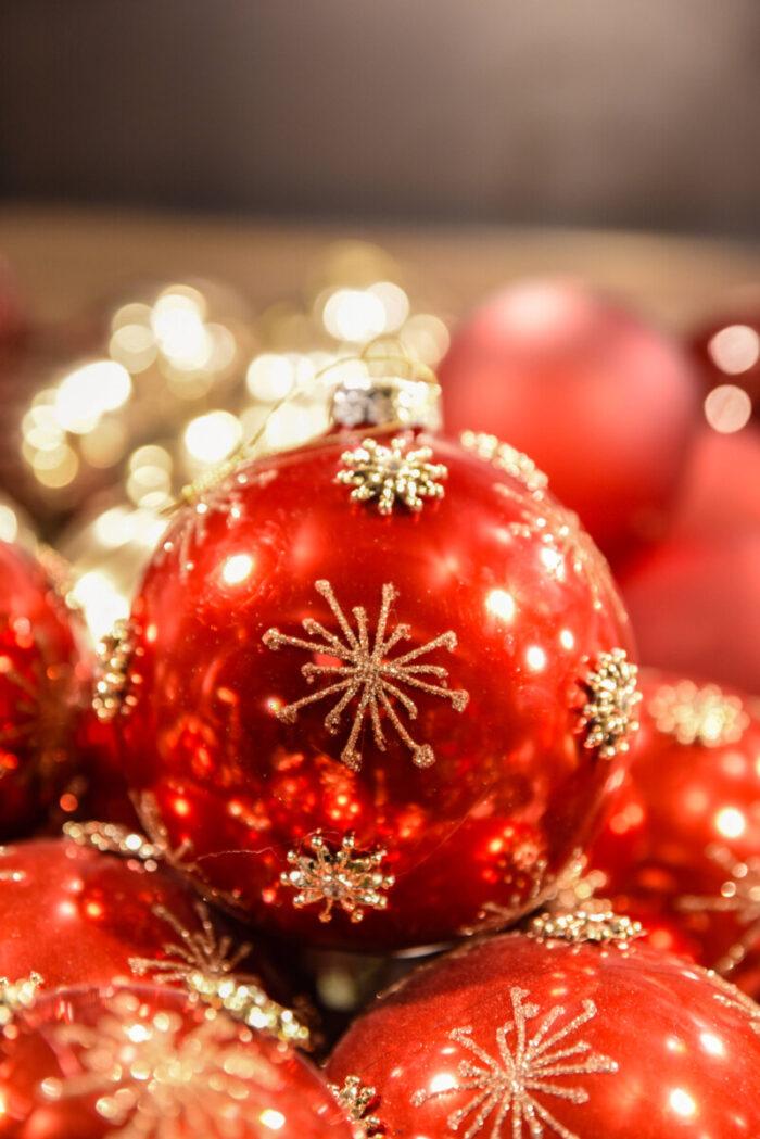 Χριστουγεννιάτικη Μπάλα Κόκκινη Νιφάδες Χρυσές