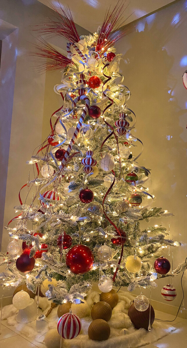 Χριστουγεννιάτικη Διακόσμηση Σπιτιού Δέντρο Χιονισμένο Λευκό Κόκκινο