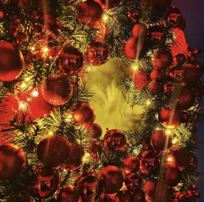 Χριστουγεννιάτικο Στεφάνι Κόκκινες Μπάλες