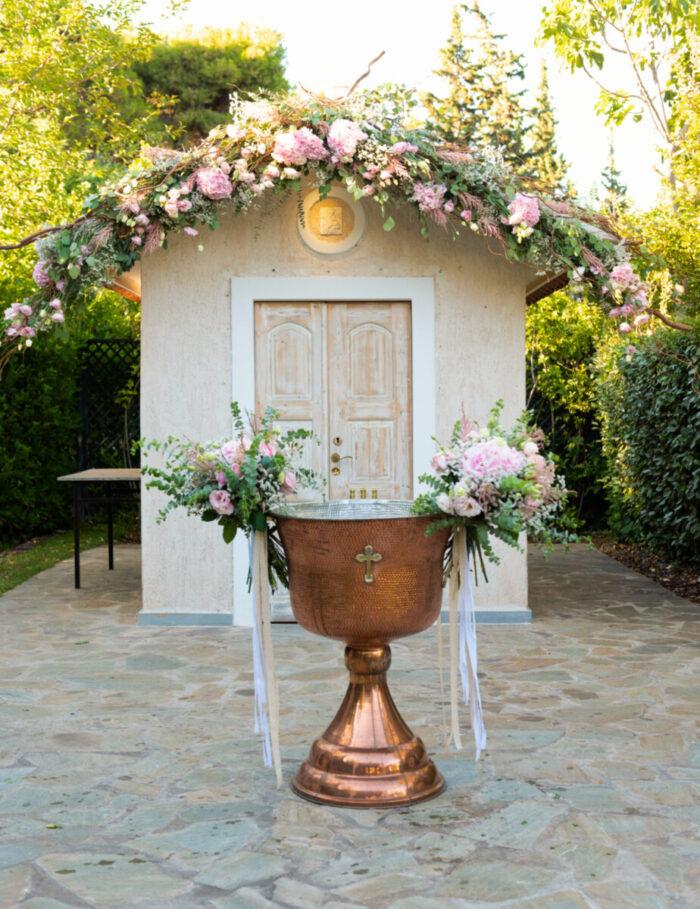 Στολισμός Κολυμπήθρας Μπουκέτα Ροζ Λουλούδια