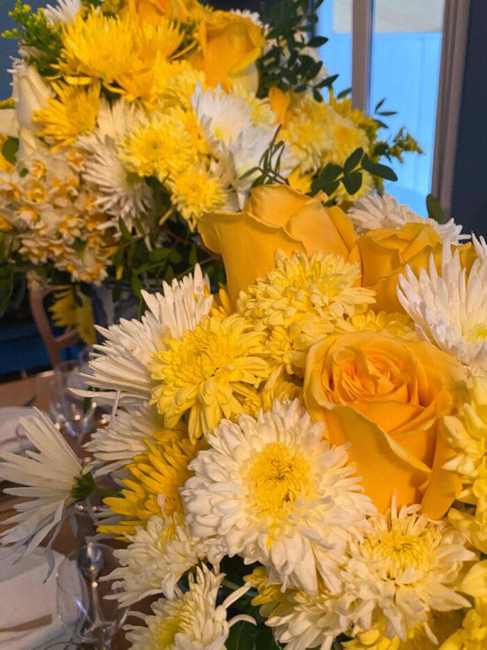 Ανθοδέσμη Κίτρινα Λευκά Λουλούδια