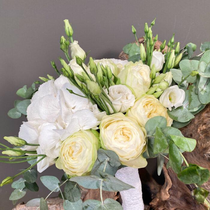 Ανθοδέσμη Γάμου Λευκά Τριαντάφυλλα Ορτανσίες Λυσίανθος