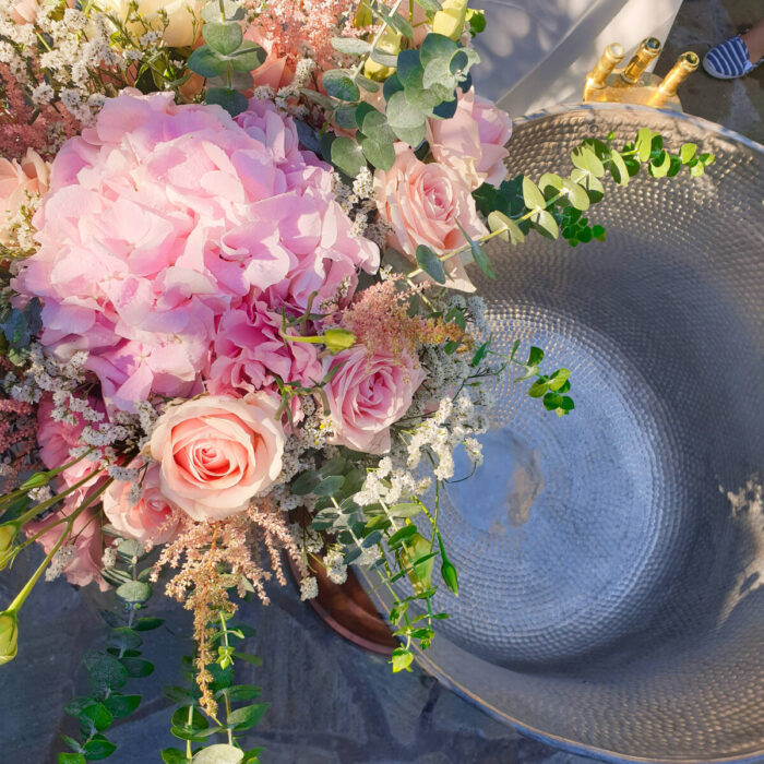 Μπουκέτα Κολυμπήθρας Ροζ Λουλούδια
