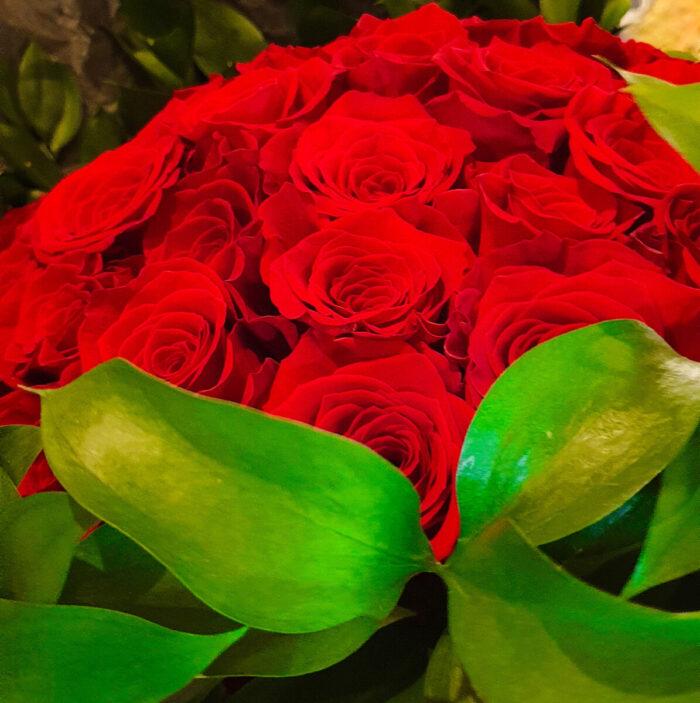 Βαλεντίνο Μπουκέτο Κόκκινα Τριαντάφυλλα