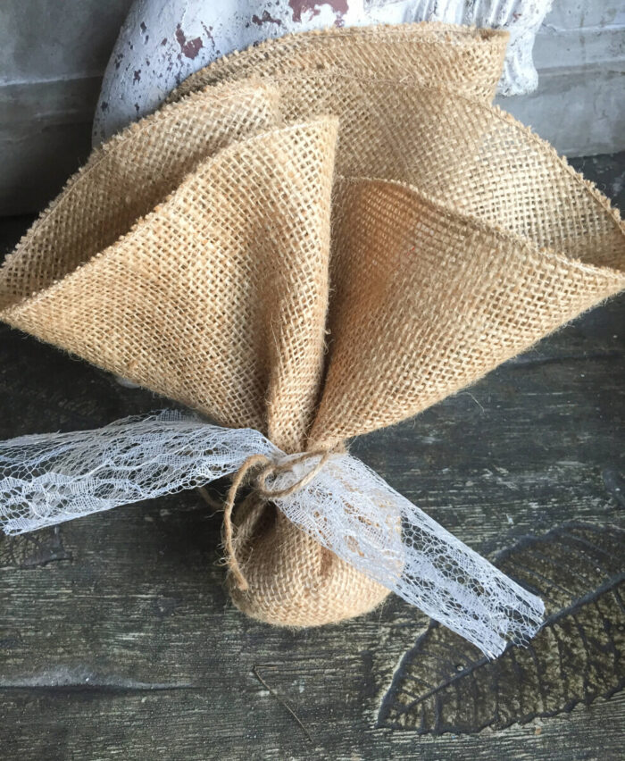 Bonbonniere Sack with Lace for an Orthodox Wedding in Greece