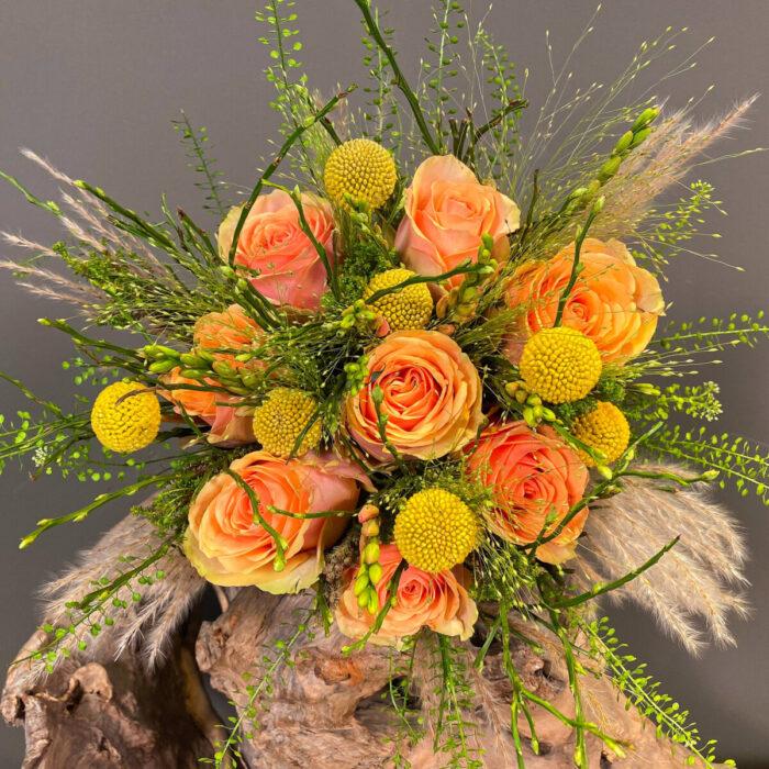 Ανθοδέσμη Γάμου Θλάσπι Τριαντάφυλλα Κρασπέντια Πανίκουμ