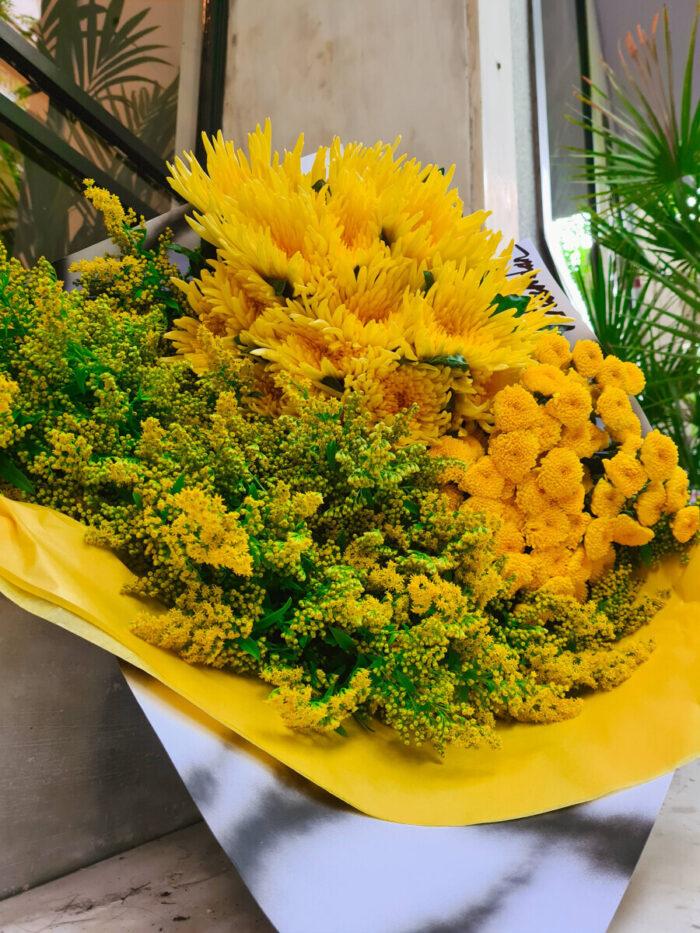 Bouquet Yellow Chrysanthemums Solidago
