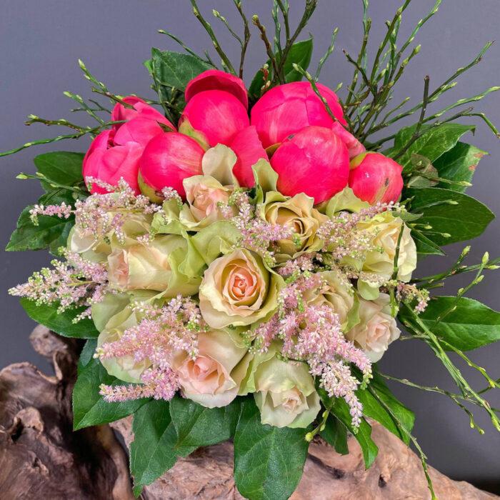 Ανθοδέσμη Γάμου Κοραλί Παιώνιες Τριαντάφυλλα Αστίλβη