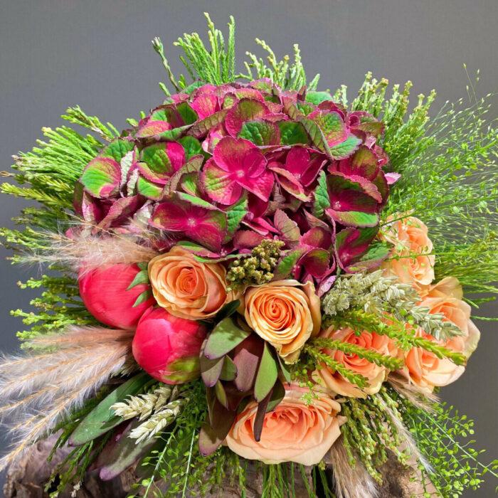 Bridal Bouquet Hydrangeas Thlaspi Peonies Roses