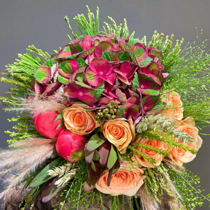 Ανθοδέσμη Γάμου Ορτανσίες Θλάσπη Παιώνιες Τριαντάφυλλα